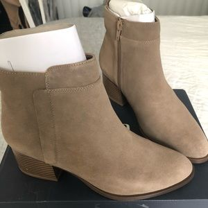 GAP Suede Ankle Booties | Size 9 | Color: Tan